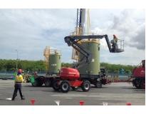 plataformas elevatórias articulada a diesel no Parque do Carmo